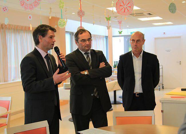 Rodolphe Thomas a inauguré l'unité de vie Alzheimer en présence d'Hubert Courseaux, président de la commission d'action sociale et de la santé au conseil général ; Thierry Legouix, conseiller général.