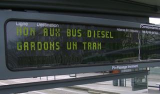 Non aux bus diesel, gardons un tram à Caen