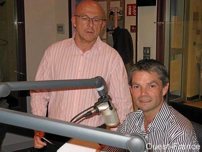 Le maire d'Hérouville, Rodolphe Thomas (à droite), ici avec Michel Legorjus, de France Bleu Basse-Normandie, lors de l'émission Face à la presse, hier soir.