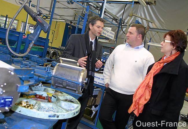 Falaise entreprise Satam avec le contrôleur de gestion Pierre-Benoît Sy